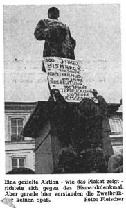 Bismarck-Standbild mit Umhängeschild